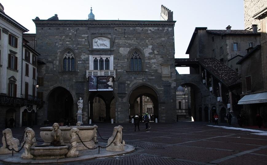 Центр старого Бергамо - Piazza Vecchia