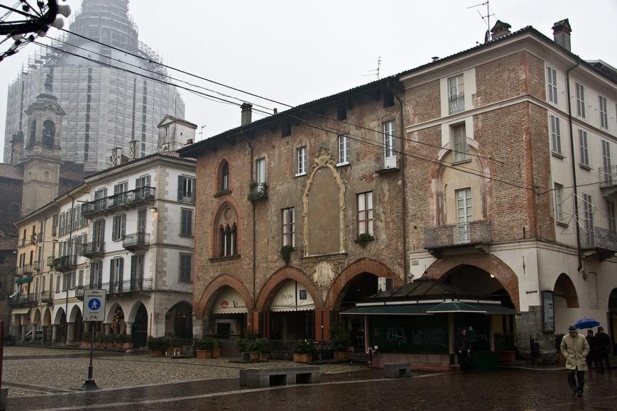 Центр Павии - Piazza della Vittoria