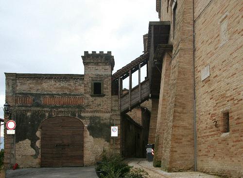 Кусочки крепости