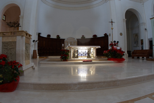 Интерьер Сан Пьетро в Сполето