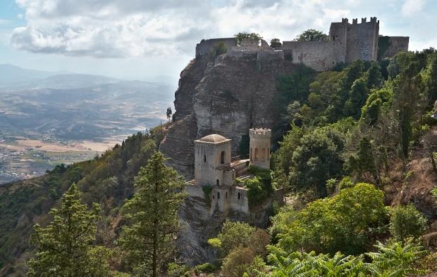 Вид на крепость в Эриче