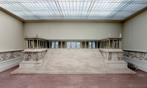 01_Pergamonaltar_Kopie_02
